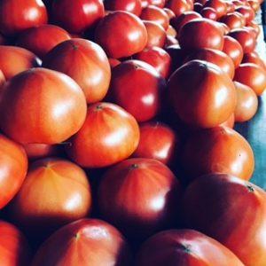収穫後に選別された男気トマト